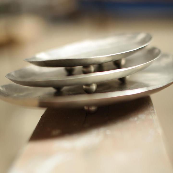 Nila etched iron dish