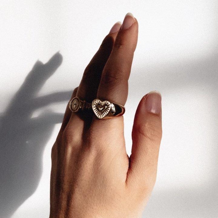 Burning Heart Signet Ring Gold